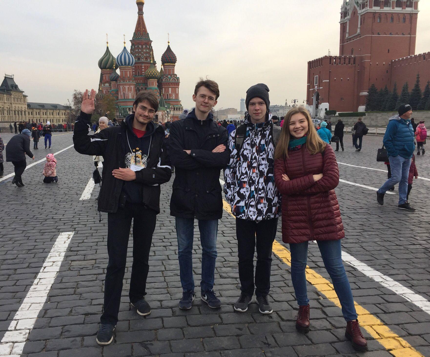 Команда новосибирской ФМШ  заняла второе место на турнире  по матмоделированию в СУНЦ МГУ